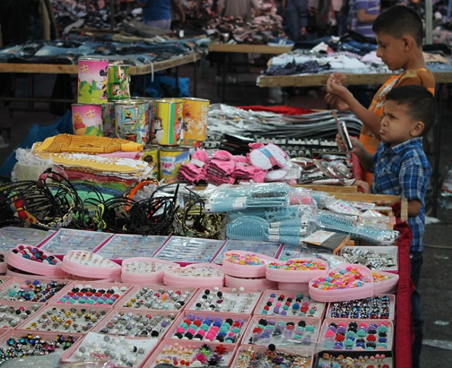 للأطفال نصيب من التبضع والشراء